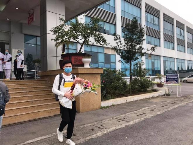 Ba bệnh nhân nhiễm virus Corona ở Vĩnh Phúc xuất viện - Ảnh 1.