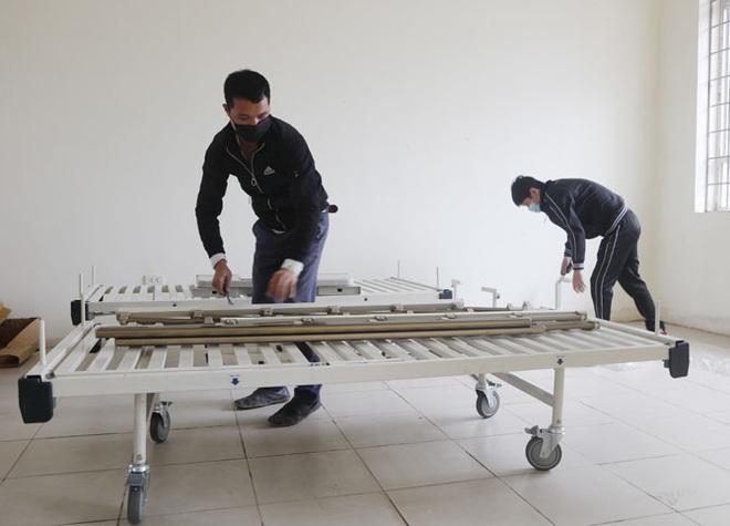Vĩnh Phúc huy động lực lượng lắp đặt Bệnh viện dã chiến 300 giường đối phó virus Corona - Ảnh 5.