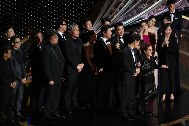 Nữ tỷ phú châu Á nhỏ bé và câu chuyện khiến cả Hollywood nín lặng - Ảnh 2.