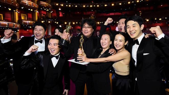 Phim Ký sinh trùng đoạt 4 giải Oscar, Tổng thống Hàn Quốc có động thái đầy bất ngờ  - Ảnh 1.