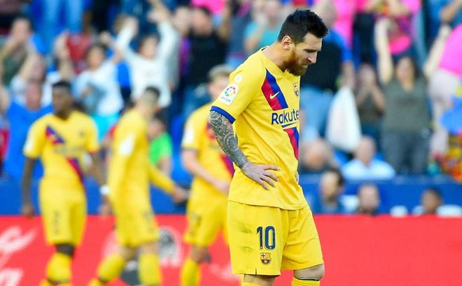 """Barcelona trong cơn đại loạn: """"Thủ phạm"""" là Messi và những đồng euro?"""