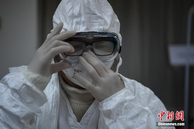 TQ xác nhận hàng cứu trợ của Việt Nam đã đến Vũ Hán, Singapore thêm 2 ca nhiễm mới - Ảnh 1.