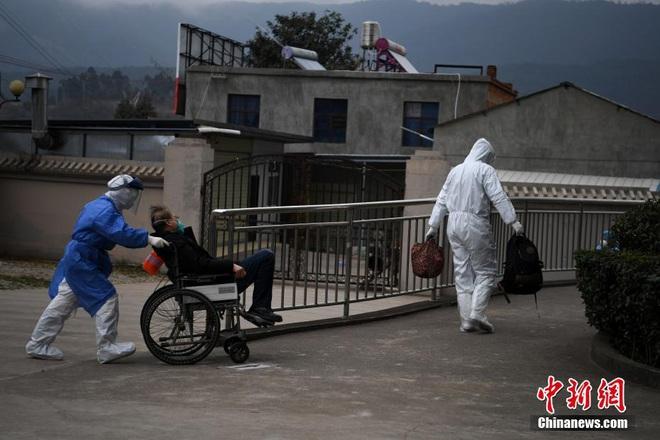 TQ xác nhận hàng cứu trợ của Việt Nam đã đến Vũ Hán, Singapore thêm 2 ca nhiễm mới - Ảnh 6.