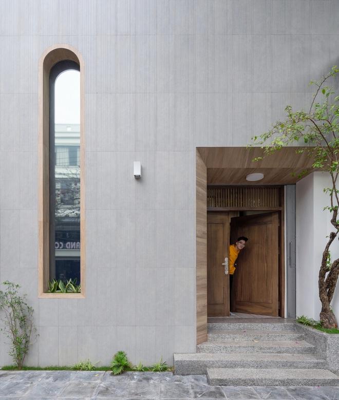 Ngôi nhà với nhiều mái vòm và cửa sổ ở Nam Định - Ảnh 2.