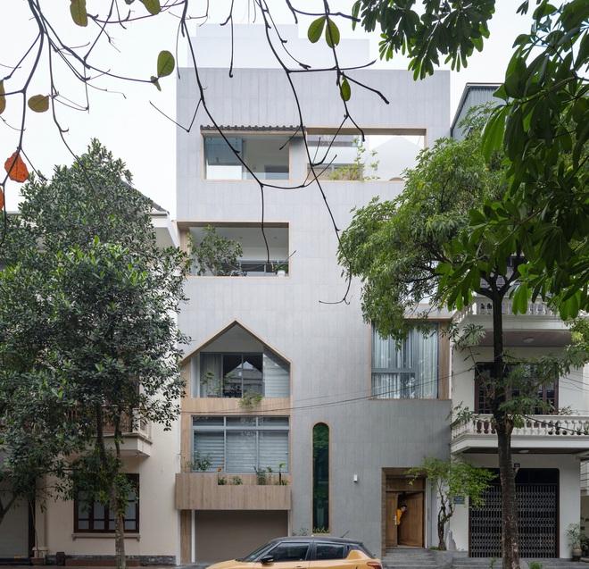 Ngôi nhà với nhiều mái vòm và cửa sổ ở Nam Định - Ảnh 1.