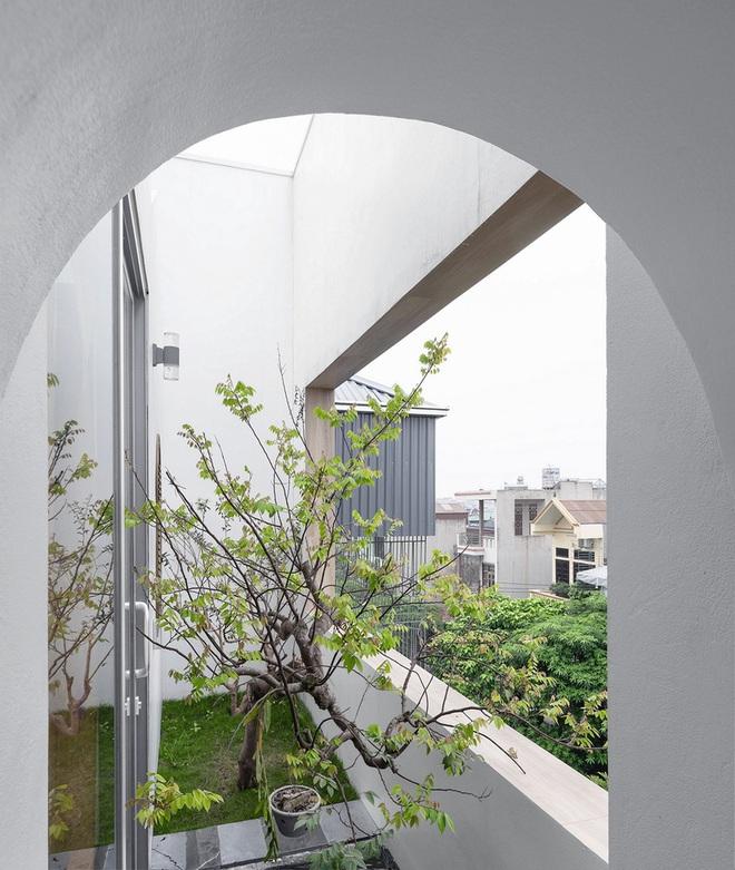 Ngôi nhà với nhiều mái vòm và cửa sổ ở Nam Định - Ảnh 9.