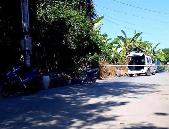 Thi thể người đàn ông đang phân huỷ trôi trên sông Đồng Nai - Ảnh 1.