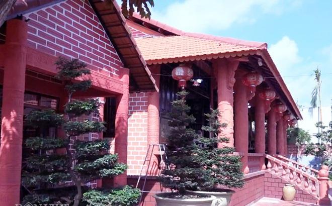 Choáng: Ngôi nhà tiền tỷ làm từ đất sét nung độc nhất ở miền Tây