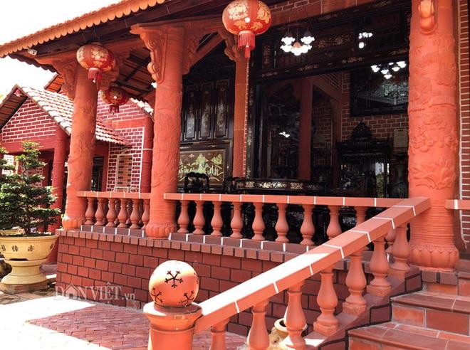 Choáng: Ngôi nhà tiền tỷ làm từ đất sét nung độc nhất ở miền Tây - Ảnh 3.