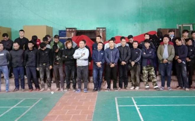 50 công an đột nhập sới bạc di động ở Bắc Giang, tạm giữ 17 người