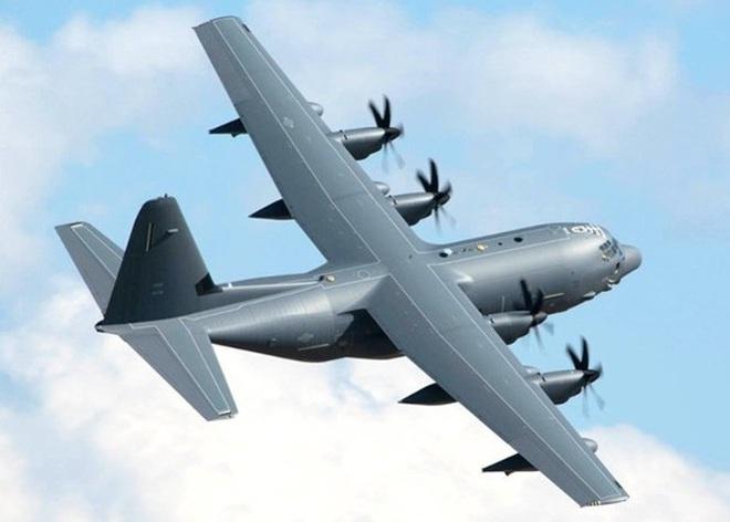 Mỹ cho máy bay bay xuyên qua eo biển Đài Loan, đáp lại việc máy bay Trung Quốc bay vòng quanh Đài Loan - Ảnh 1.