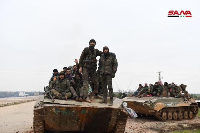Đụng độ người Kurd, Mỹ bị tước xe bọc thép và nhiều vũ khí - Thổ lo sợ lính đánh thuê Nga tấn công ở Syria - Ảnh 2.