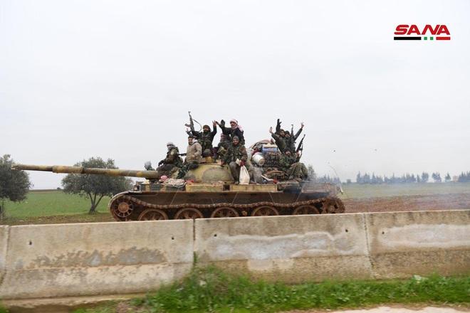 Đụng độ người Kurd, Mỹ bị tước xe bọc thép và nhiều vũ khí - Thổ lo sợ lính đánh thuê Nga tấn công ở Syria - Ảnh 3.