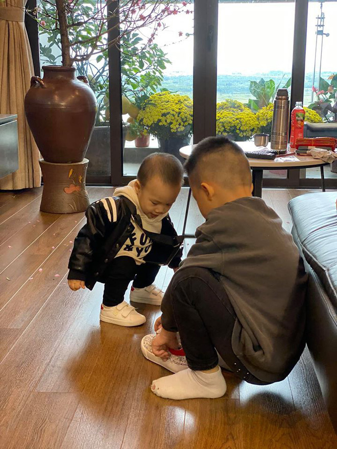 Đã có 3 anh con trai, vợ chồng BTV Quang Minh VTV vẫn cố thêm lần nữa, giới tính em bé thứ 4 khiến nhiều người bất ngờ - Ảnh 3.