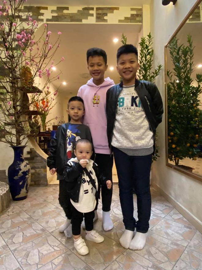 Đã có 3 anh con trai, vợ chồng BTV Quang Minh VTV vẫn cố thêm lần nữa, giới tính em bé thứ 4 khiến nhiều người bất ngờ - Ảnh 4.