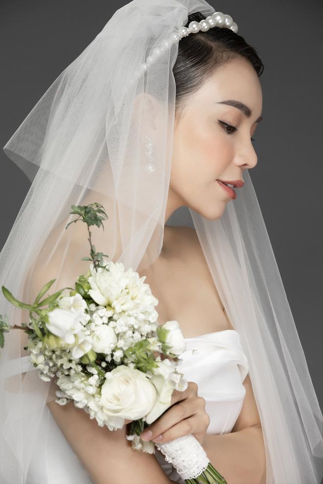 Trà Ngọc Hằng mặc váy cưới gợi cảm, khẳng định chưa có tình yêu mới - Ảnh 8.