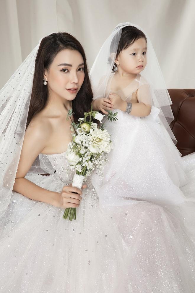 Trà Ngọc Hằng mặc váy cưới gợi cảm, khẳng định chưa có tình yêu mới - Ảnh 4.