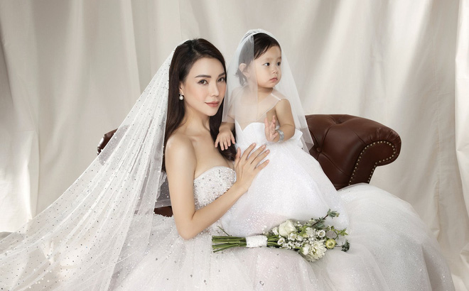 Trà Ngọc Hằng mặc váy cưới gợi cảm, khẳng định chưa có tình yêu mới