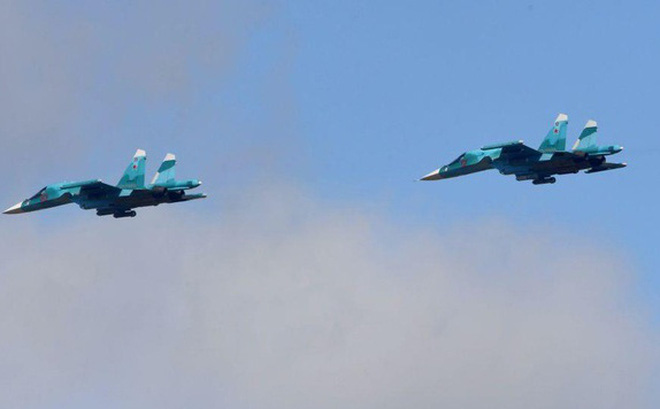 Nga phô diễn khả năng nhào lộn đáng kinh ngạc của máy bay Su-34