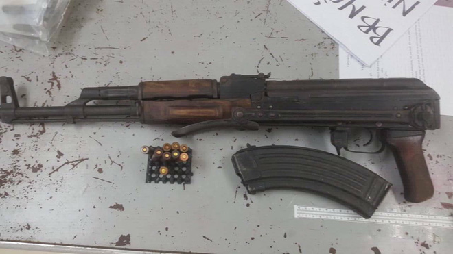 Công an TP HCM tạm giam tất cả 12 người liên quan đến Tuấn khỉ, nghi phạm nổ súng khiến 4 người tử vong - Ảnh 2.