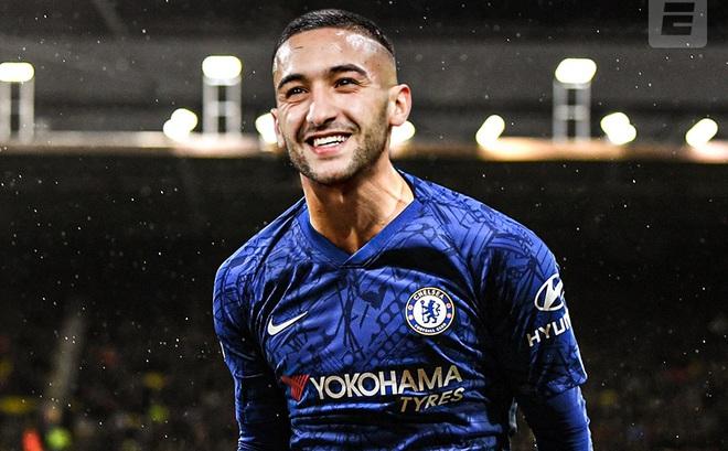 """Giữa cảnh """"thắt lưng buộc bụng"""", đội bóng của Văn Hậu bỗng nhiên vớ bẫm nhờ Chelsea"""