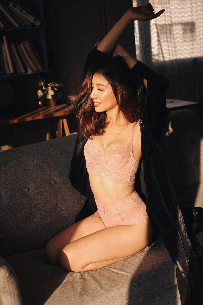 Ammy Minh Khuê tung ảnh sexy, tiết lộ mất hai ngày chỉ để thu âm 3 từ Em yêu anh trong ca khúc vừa ra mắt - Ảnh 5.