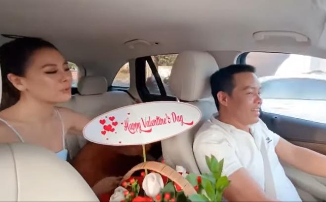 Nam Thư vui sướng tột độ khi được tài xế tặng quà để đỡ tủi thân ngày Valentine