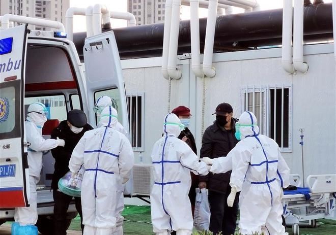 Dịch viêm phổi Vũ Hán: TQ đại lục có thêm 116 ca tử vong; Nhật Bản chi 140 triệu USD chống dịch bệnh - Ảnh 1.