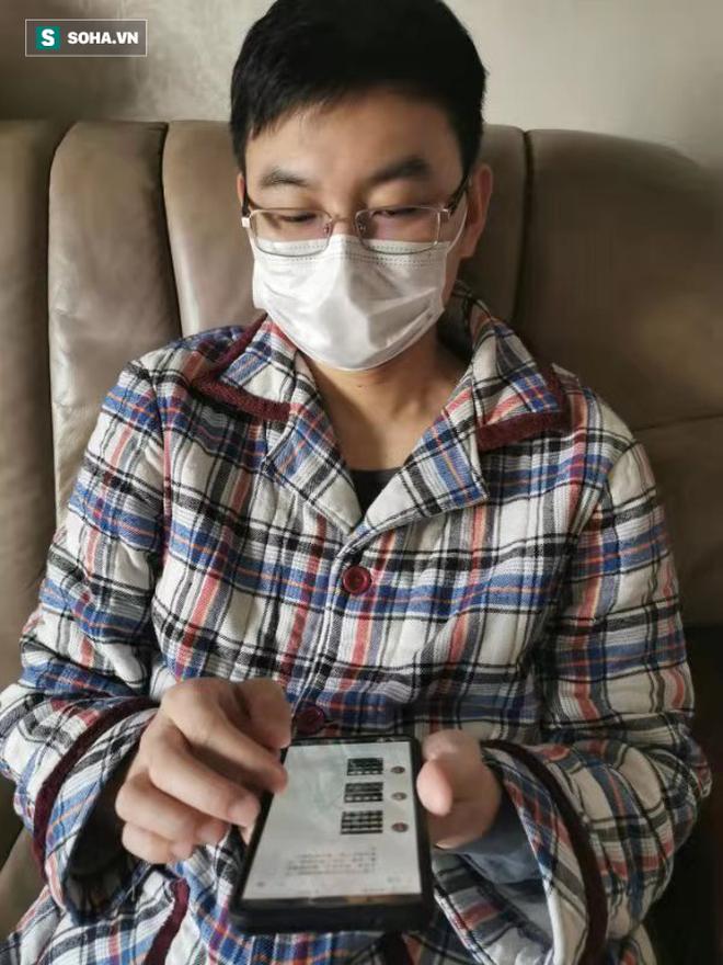 BS bị nhiễm Covid-19: Nhường giường bệnh, tự cách ly tại nhà vẫn miệt mài tư vấn online - Ảnh 1.