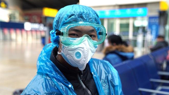 Tỉnh Hồ Bắc (TQ) ghi nhận thêm 139 ca tử vong, 2.420 ca nhiễm virus corona; Ngoại trưởng TQ nhắc nhở Mỹ - Ảnh 1.