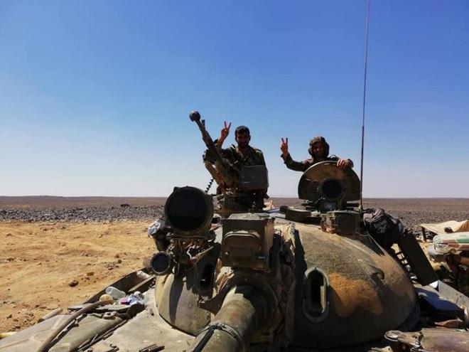 Chiến sự Syria: Điên cuồng tấn công chiếm đất, phiến quân thất bại cay đắng ở Aleppo - Ảnh 2.