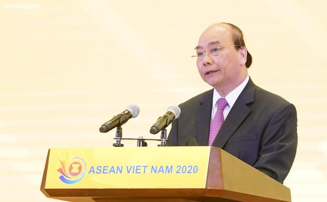 Thủ tướng Nguyễn Xuân Phúc ra Tuyên bố của Chủ tịch ASEAN về dịch COVID-19