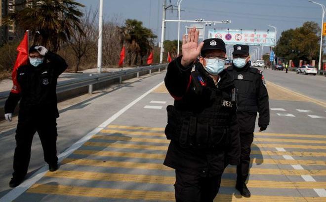 Hồ Bắc ra nghiêm lệnh chưa từng có: Phong tỏa các khu dân cư 24/24, mua thuốc phải khai báo nhân thân