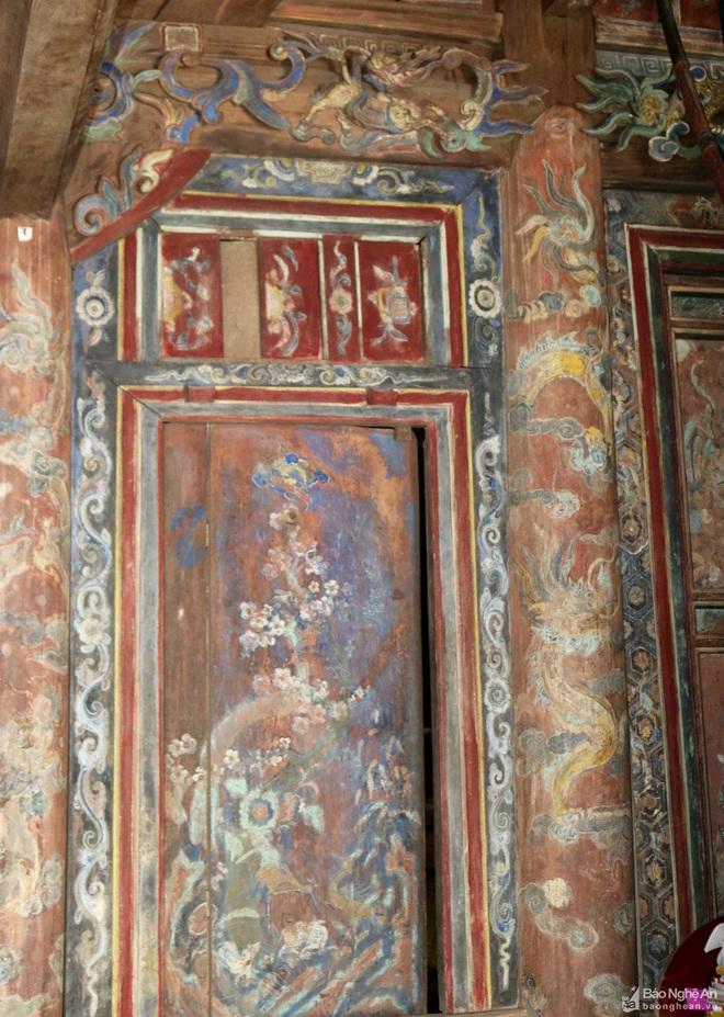 Nghệ thuật điêu khắc và báu vật gây kinh ngạc ở đền cổ Linh Kiếm - Ảnh 6.