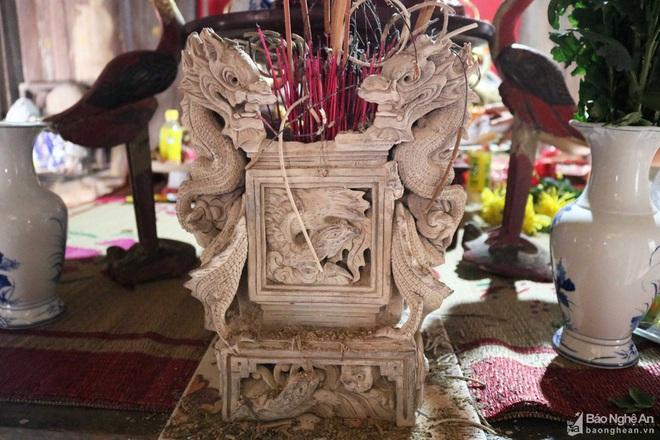 Nghệ thuật điêu khắc và báu vật gây kinh ngạc ở đền cổ Linh Kiếm - Ảnh 8.