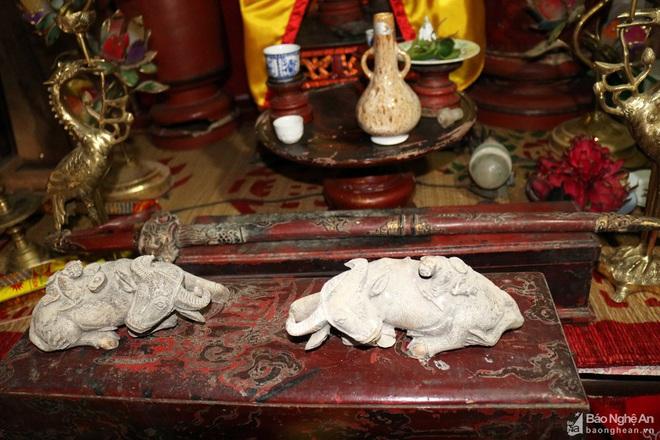 Nghệ thuật điêu khắc và báu vật gây kinh ngạc ở đền cổ Linh Kiếm - Ảnh 9.