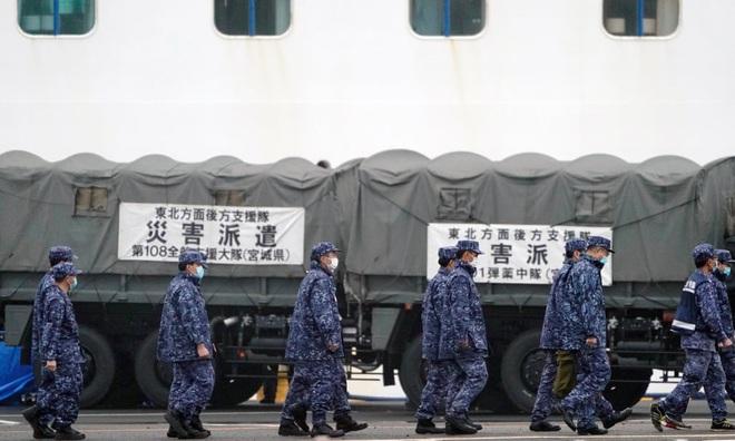 24h qua ảnh: Hàng nghìn người tham dự lễ hội khỏa thân ở Nhật Bản - Ảnh 9.