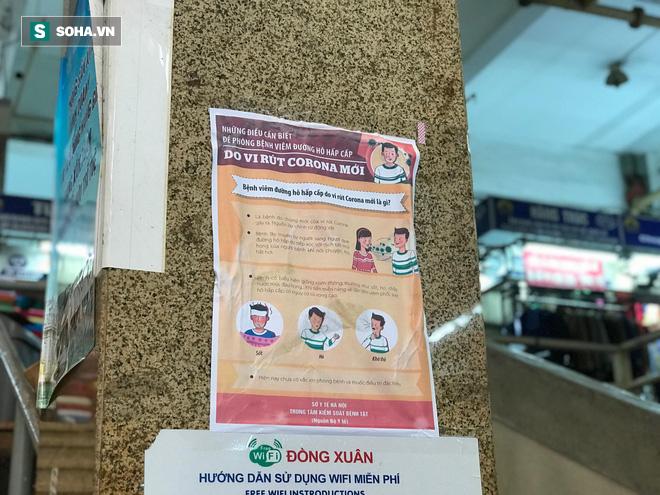 Hàng hóa bán ra giảm 80%, hàng loạt ki-ốt tại chợ Đồng Xuân nghỉ tạm thời vì dịch Covid-19 - Ảnh 10.