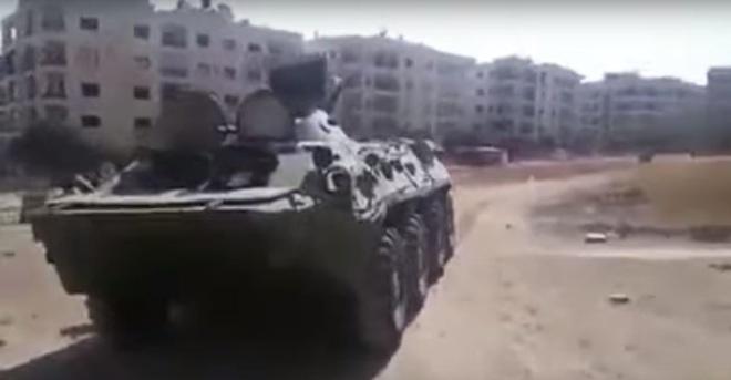 QĐ Syria đại thắng lịch sử ở Aleppo, phiến quân hoảng loạn tháo chạy - Xe quân sự Mỹ rầm rập tiến vào Syria - Ảnh 1.