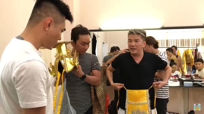 Lê Dương Bảo Lâm: Đồ của tôi mặc ba năm không được thay, còn anh Đàm Vĩnh Hưng mặc đồ 100 triệu - Ảnh 4.