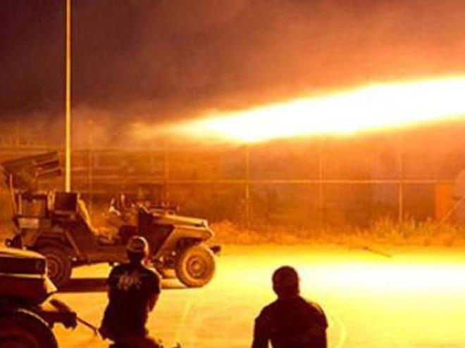 Căn cứ quân sự Mỹ ở Iraq bị tên lửa phá tan hoang - Ảnh 2.