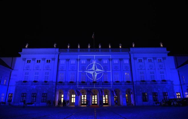 Sợ nắm đấm của Shoigu, NATO lạnh lùng ra tuyên bố về chiến sự Syria khiến Thổ chết đứng? - Ảnh 4.