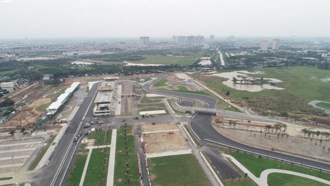 Toàn cảnh đường đua F1 trước ngày khởi tranh nhìn từ trên cao - Ảnh 1.