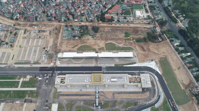 Toàn cảnh đường đua F1 trước ngày khởi tranh nhìn từ trên cao - Ảnh 9.