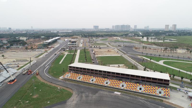 Toàn cảnh đường đua F1 trước ngày khởi tranh nhìn từ trên cao - Ảnh 6.