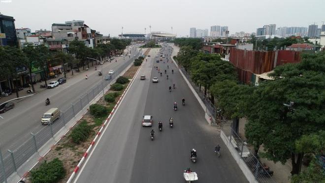 Toàn cảnh đường đua F1 trước ngày khởi tranh nhìn từ trên cao - Ảnh 8.