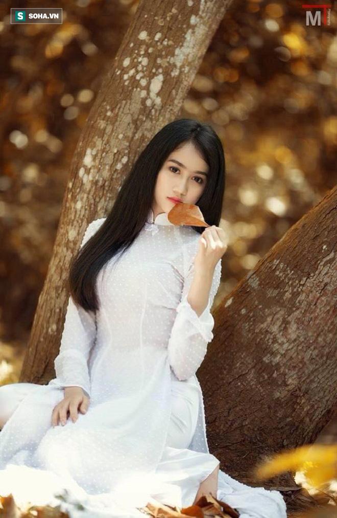 Huỳnh Hồng Loan: Sự nghiệp trải hoa hồng và mối tình nhiều day dứt với công tử nhà giàu, si tình - Ảnh 1.