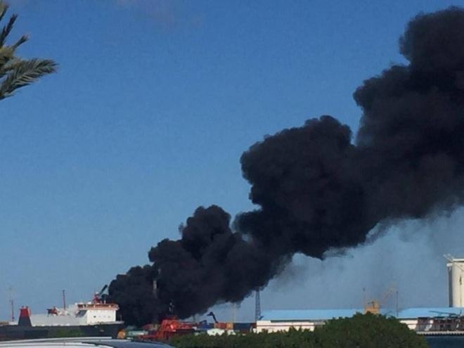 Thua liểng xiểng ở Syria, TNK tiếp tục muối mặt khi tàu chở vũ khí bị đánh úp ở Tripoli - Ảnh 1.