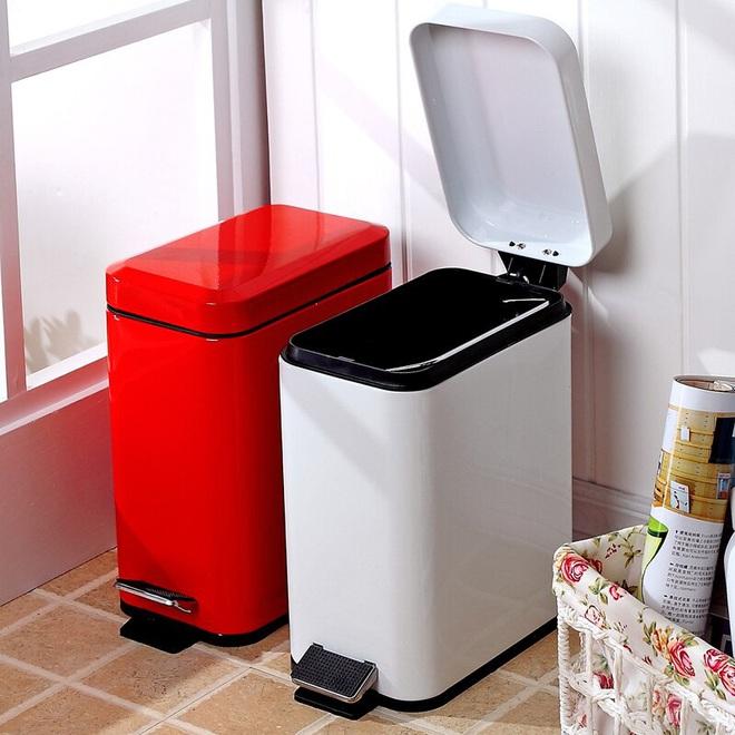 Cách đơn giản để giúp các thùng rác nhà bạn khỏi mùi khó chịu và sạch bóng côn trùng - Ảnh 2.