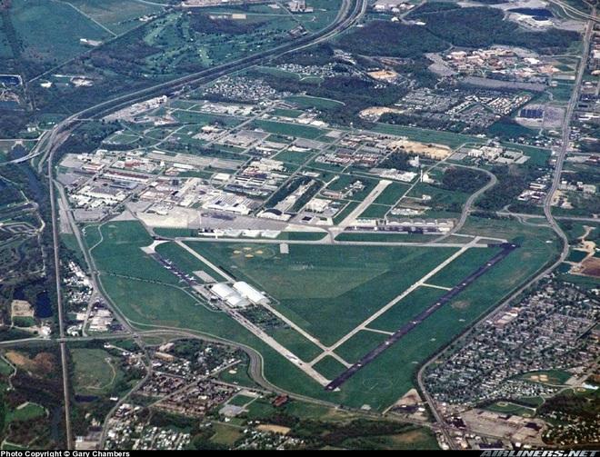 Thực hư Hangar 18 - Căn cứ bí mật Mỹ tiến hành giải mã đĩa bay, người ngoài hành tinh  - Ảnh 1.